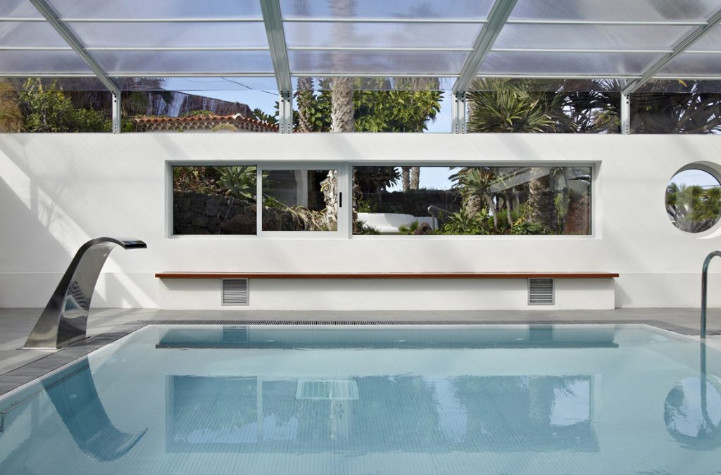 Agua de mar y piscina Thalasso