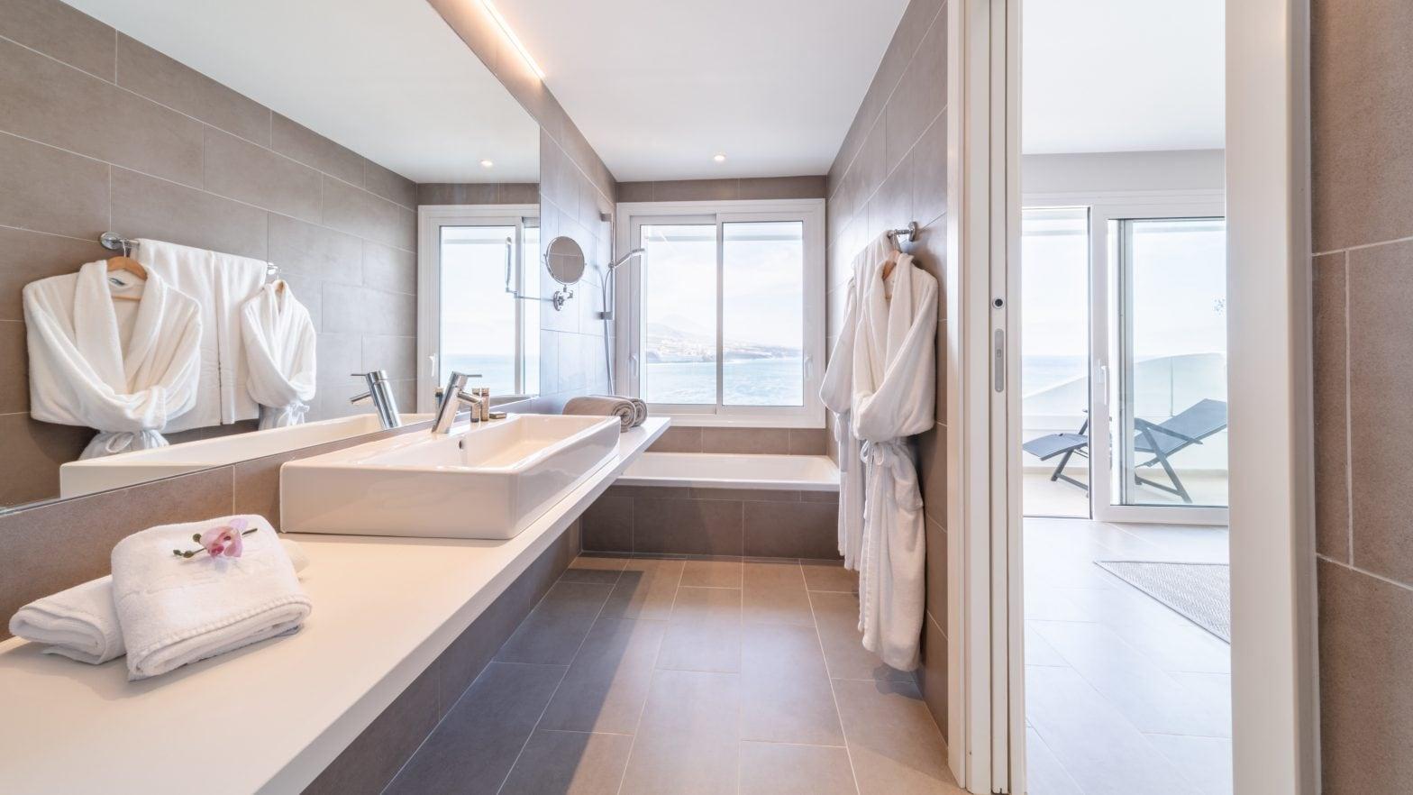 oceano-hotel-tenerife-designsuite-bad
