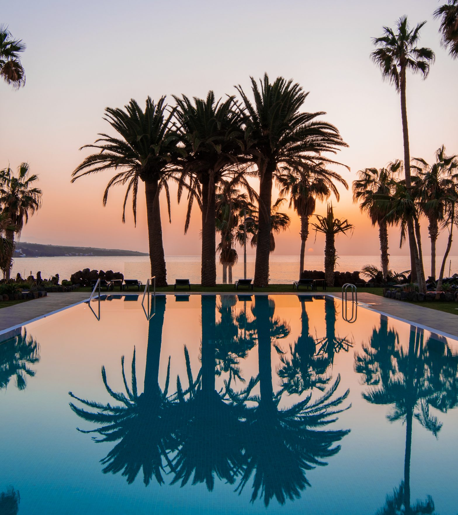 OCEANO_Pool_Teideblick_Sunset_MAXIM